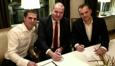 Ondertekening door Arjan Kromhof, Aernoud Hage en Maarten Heutink